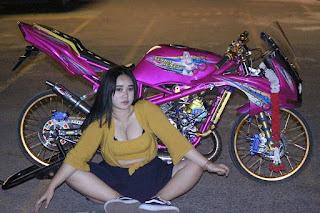 Modifikasi Ninja pink plus model Hot duduk manis