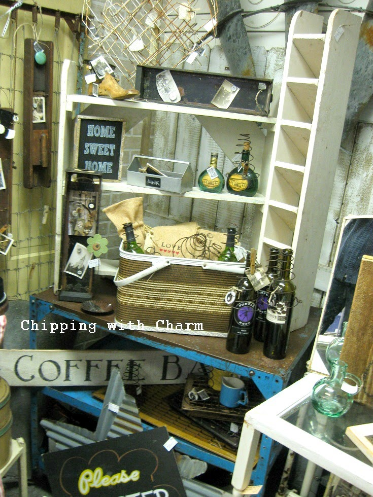 Chipping with Charm: Shop Talk at Coastal Charm...http://www.chippingwithcharm.blogspot.com/