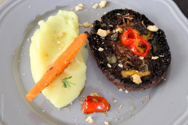Μανιτάρια πορτομπέλο ψητά, με λαχανικά και πουρέ χωρίς γάλα... η χαρά του χορτοφάγου