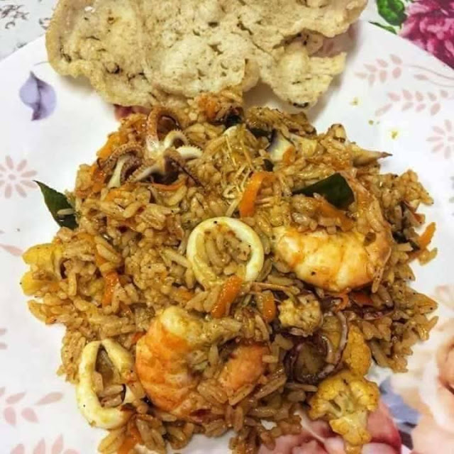 Resepi Nasi Goreng Tomyam.Untuk Sarapan Boleh,Lunch Pun Boleh