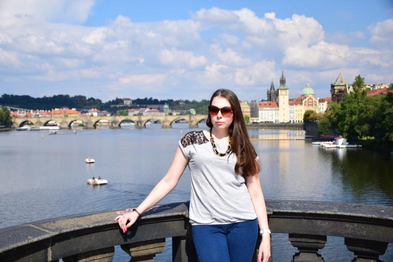 widok z mostu Legii, most legii, Praga most legii,