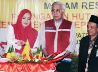 Malam Syukuran HUT ke-74 RI, Bupati Bima Potong Tumpeng