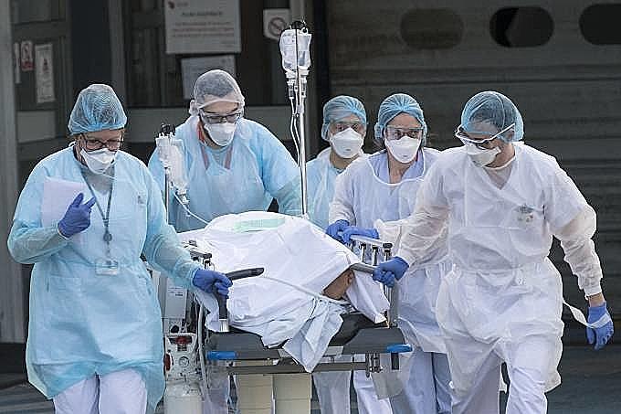 Cerca de 5 profissionais de saúde (Médicos) em Óbidos são afastados de suas funções com suspeitas de estará infectados pelo coronavírus.