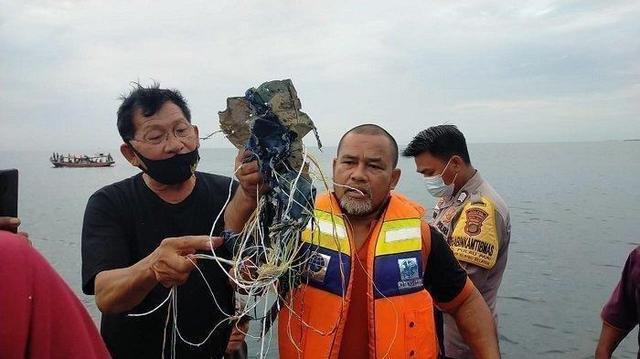 KNKT: Pesawat Sriwijaya Air Hancur karena Berbenturan dengan Air Laut