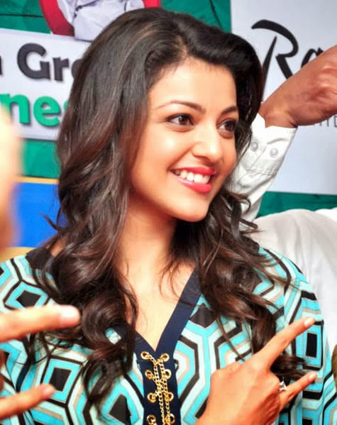 Kajal Agarwal Sexy Photo In White Top Dresses and Jeans