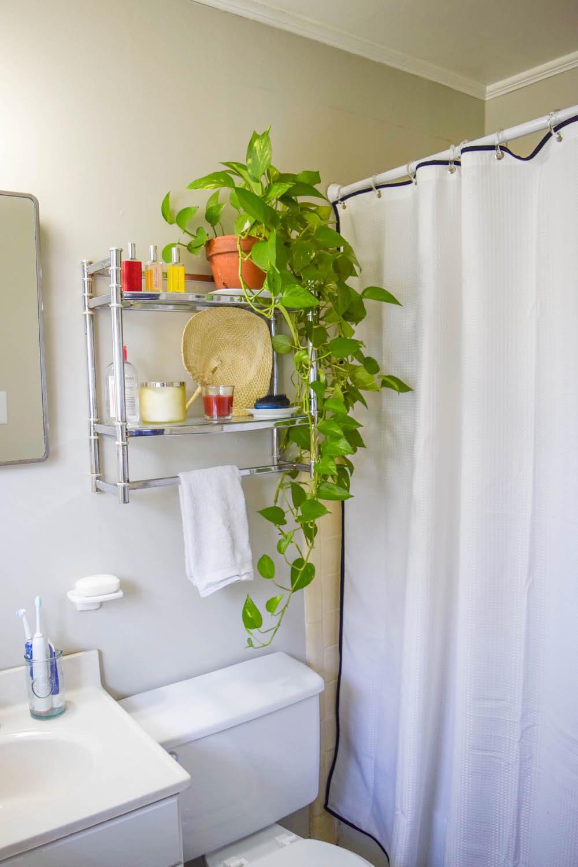 easy small bathroom makeover
