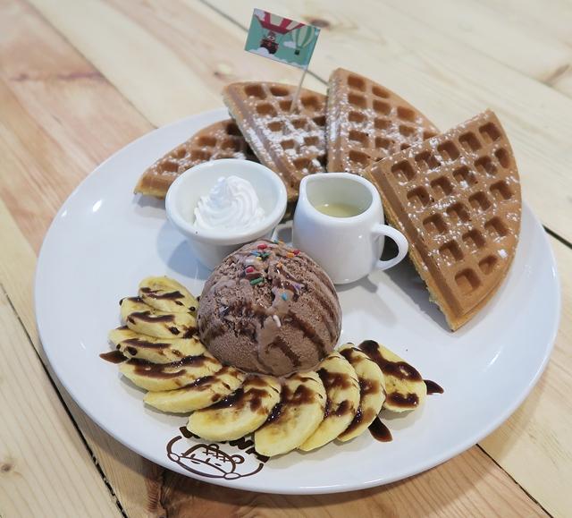 Laundfle Cafe, WaWa Land, Waffle! Waffle! Sri Petaling