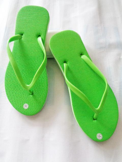 Pusat sandal jepit wanita terbaru | HK Polos OTG