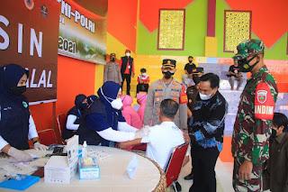 Kapolres Enrekang dan Forkopimda Cek Pelaksanaan Vaksinasi Dalam Rangka Hari Bhayangkara ke 75