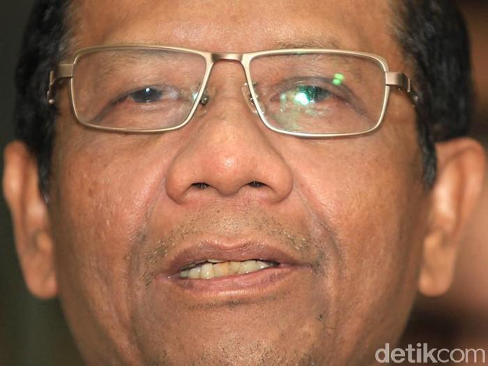 Mahfud MD Minta Kepala Daerah Jangan Politisir Corona untuk Cari Panggung