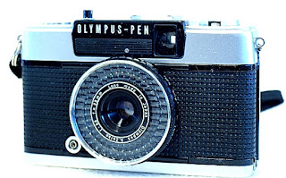Olympus Pen EE-3 Front Right