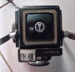 TLR Yashica 44 LM tampak atas