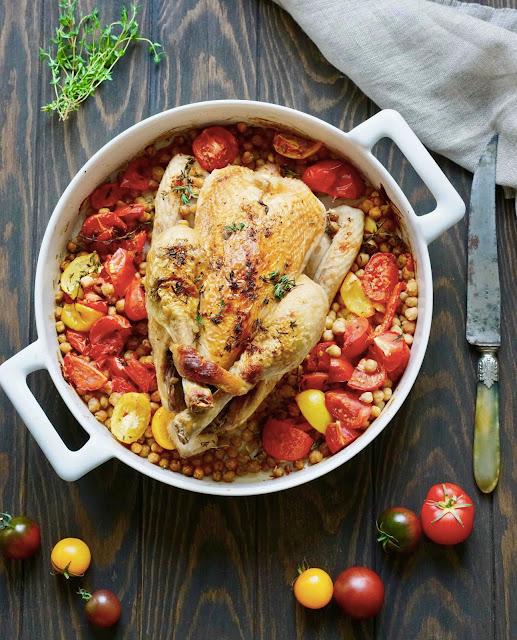 plat complet , plat familial , poulet rôti , pois chiches , tomates , cuisine équilibrée , IG bas