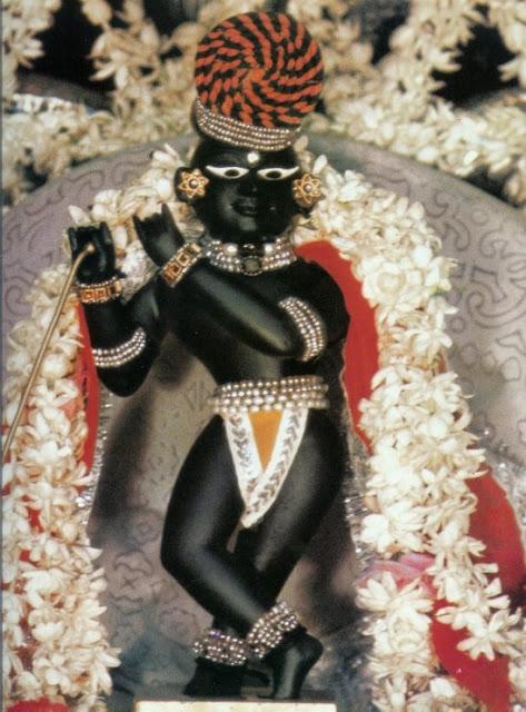vrindavan-live-darshan-2016