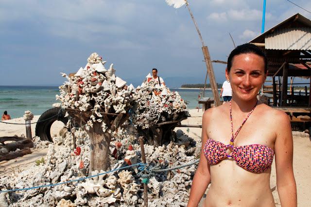 Escultura hecha con corales en la zona de Goodheart en Gili Trawangan
