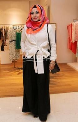 17 Baju Kemeja Wanita Bahan Katun Polos Dan Kotak Koleksi