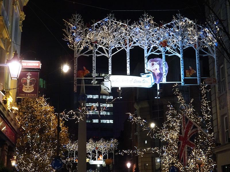 London_Gorgeous_Christmas_Lights_Photographs_Seven_Dials_Covent_garden