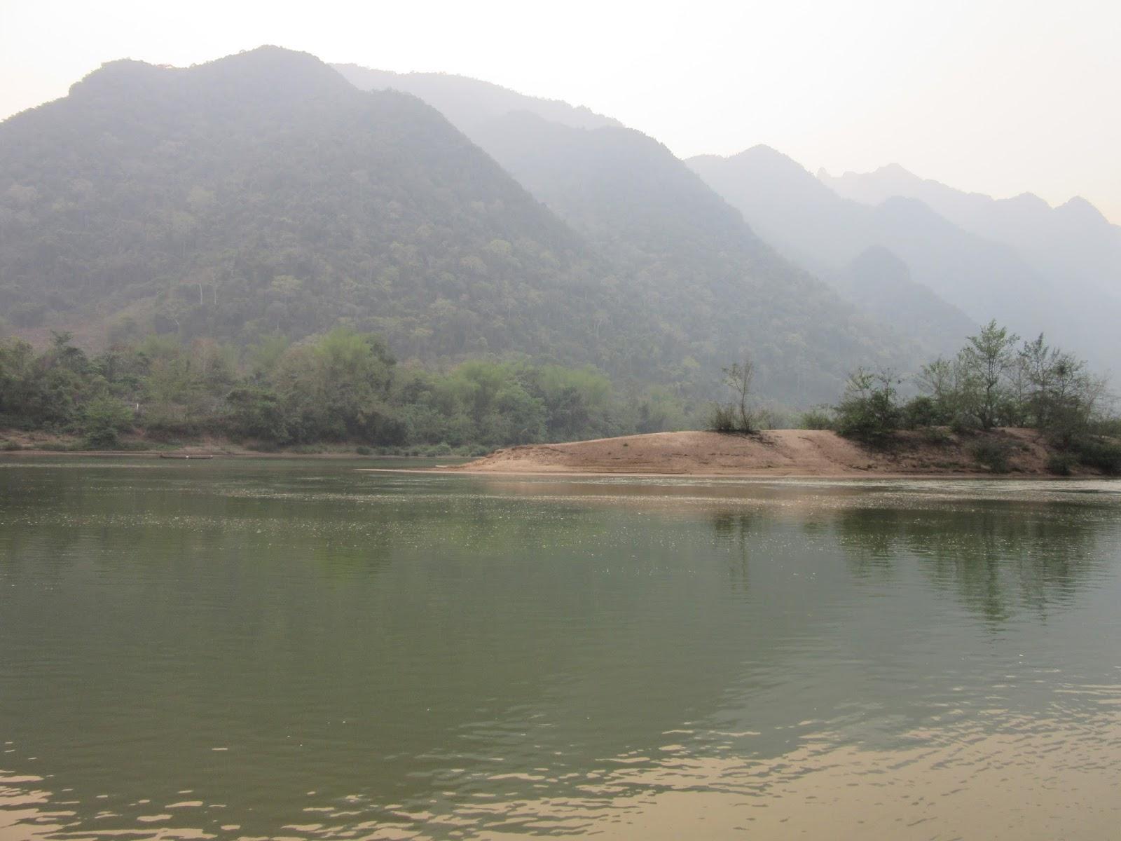 Río en Muang Ngoi, Laos