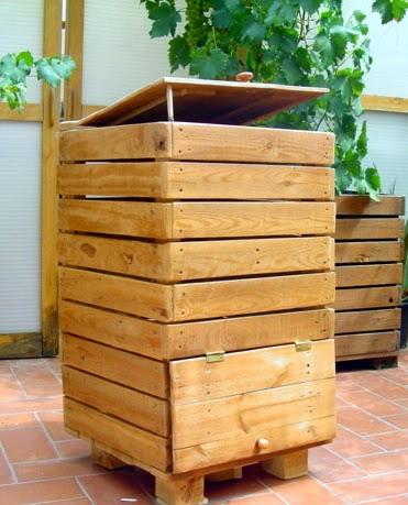 ma poubelle est un jardin avec deux palettes un composteur pour ma petite demeure. Black Bedroom Furniture Sets. Home Design Ideas