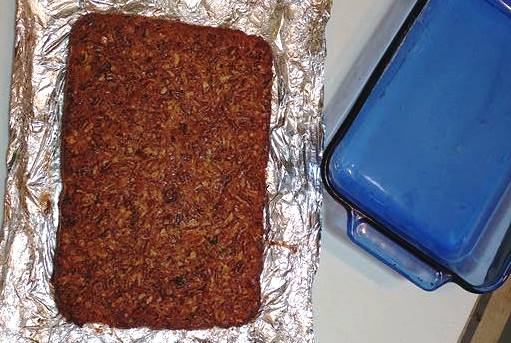 Use foil lining to easily remove Pecan Pie Cookie Bar from baking dish