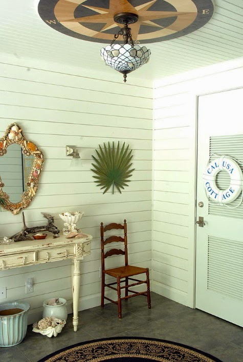 Coastal entryway foyer