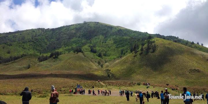 destinasi wisata bukit teletubies dalam paket wisata gunung bromo