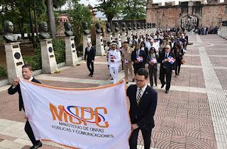 MOPC rinde tributo a los Padres de la Patria