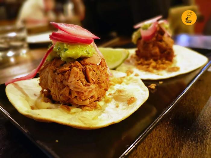 Tacos de jackfruit con salsa pibil en Vega