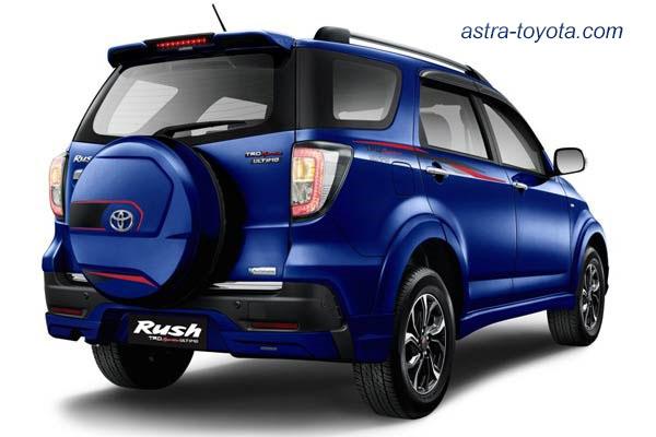 Eksterior Belakang Toyota New Rush Ultimo 2016