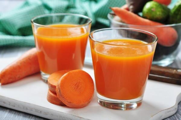 Uống nước ép giàu vitamin A mỗi ngày để chăm sóc da thêm hiệu quả