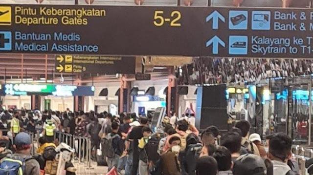 Kerumunan di Bandara Soekarno Hatta Bisa Jadi Klaster Baru Penyebaran Corona