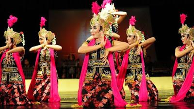 Tari Tradisional Klasik dan Tradisional Kerakyatan (Pola Lantai dan Pendukung)