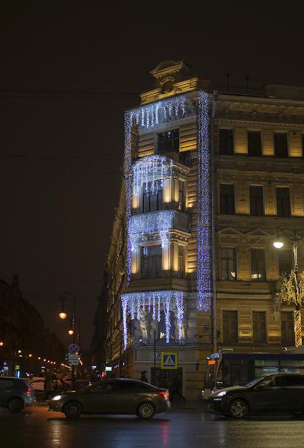 Igor Novik photo St. Petersburg Peter Nevsky new year illumination holidays icicles