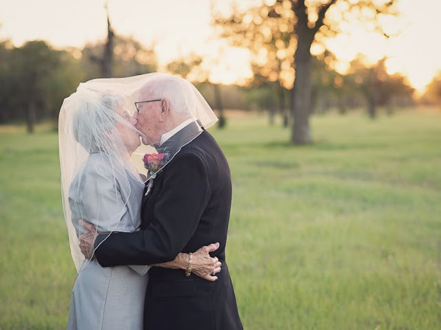 rocznica ślubu - jak uczcić rocznicę - jak spędzić rocznicę ślubu - ślub - wesele - prezent na rocznicę - prezent dla męża