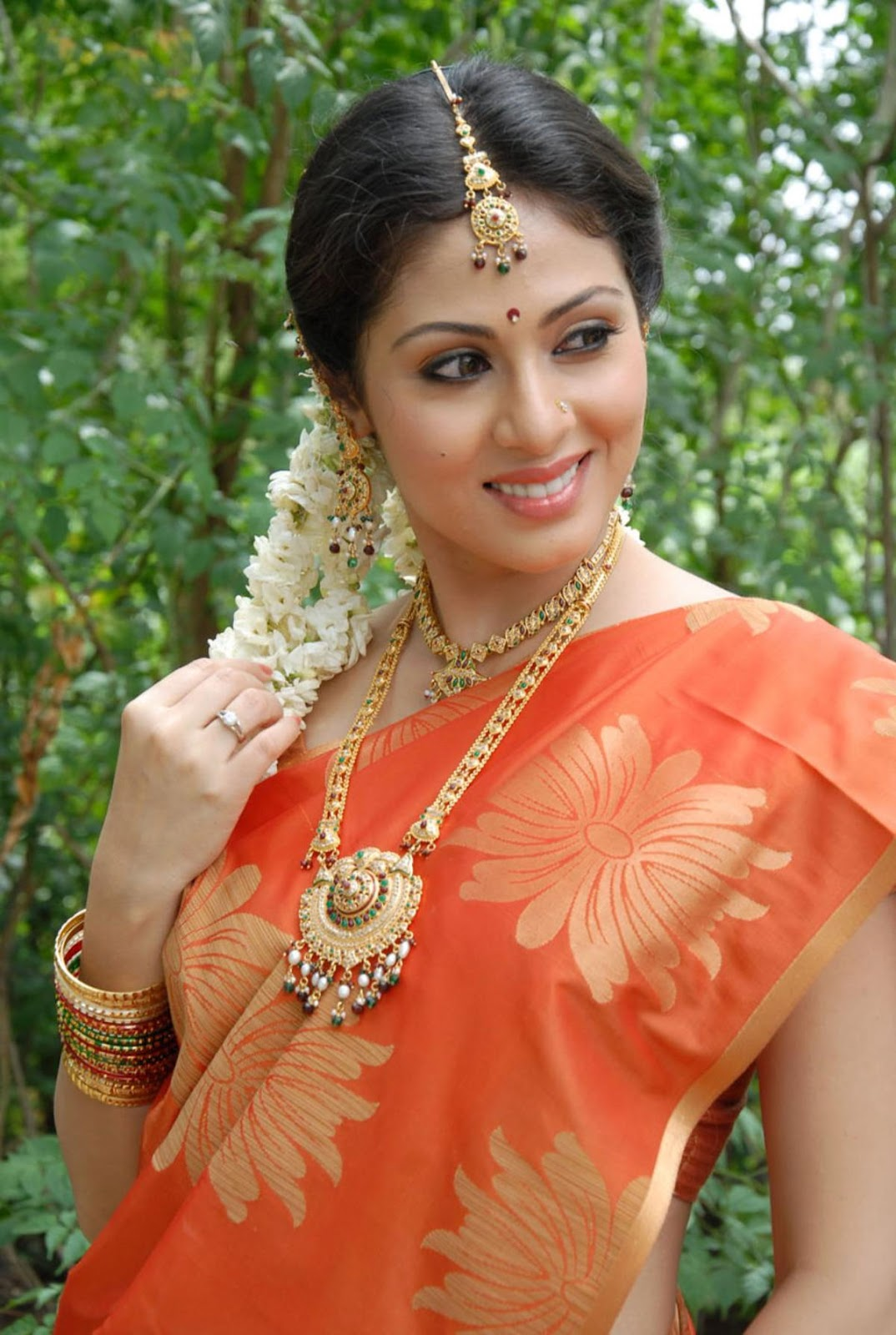Ajith 3d Wallpaper Telugu Actress Sada New Spicy Stills Gallery Sada Latest