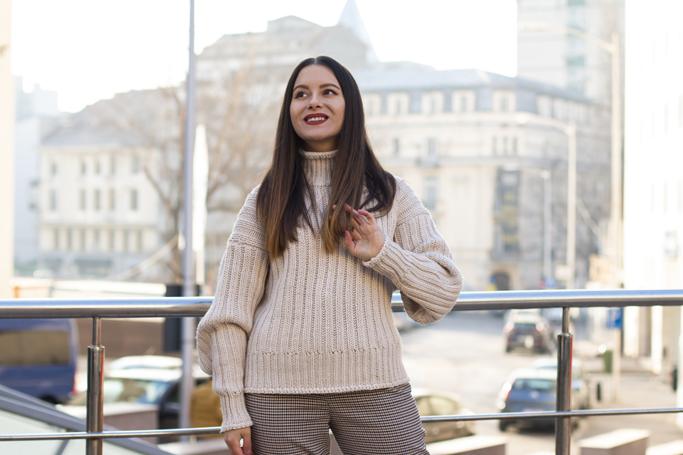 adina nanes oversized sweater