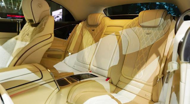 Băng sau Mercedes S500 Cabriolet 2018 vẫn rất rộng rãi,thoải mái