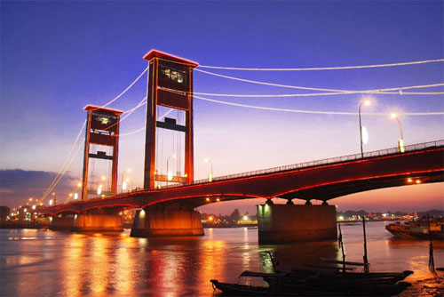Jembatan-Ampera-Sungai-Musi
