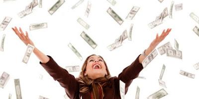 Resultado de imagem para fotos de dinheiro caindo