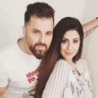 तन्नाज ईरानी अपने पति के साथ