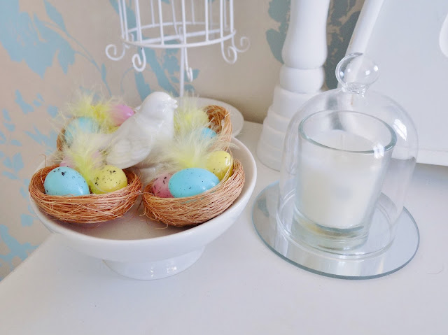 Pastel coloured Spring home decor, accessories and decorations.