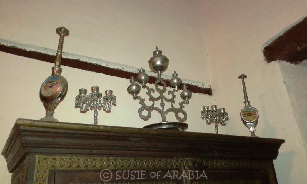 Jeddah daily photo jeddah antique home decor for Antique home decor