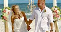 Interrompe le sue nozze per salvare un ragazzo che stava affogando: «Ho agito d'istinto»