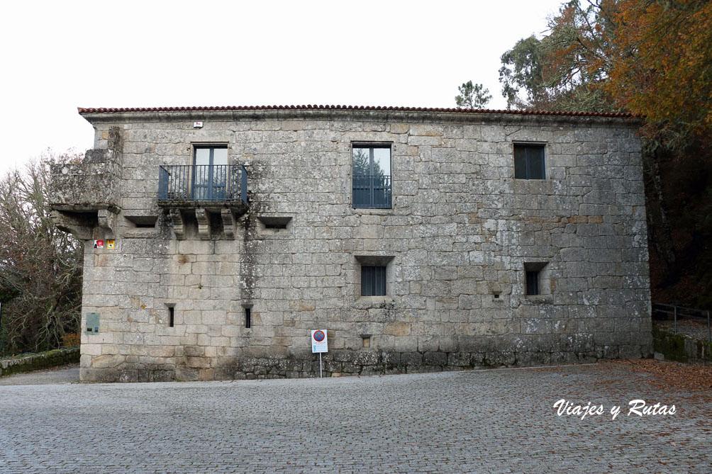 Antigua casa rectoral de San Pedro de Rocas, Ourense