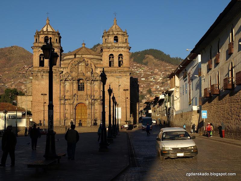 Cuzco o wschodzie słońca