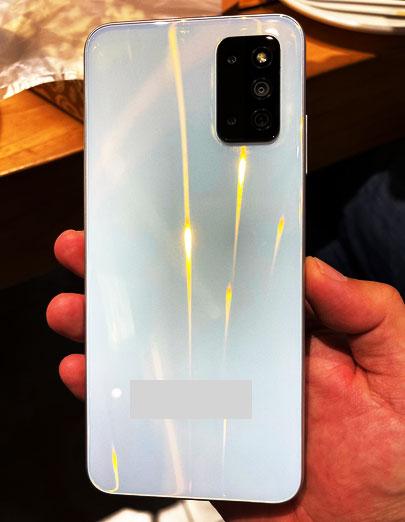 تسريبات لمواصفات وسعر هاتف  Samsung Galaxy F52