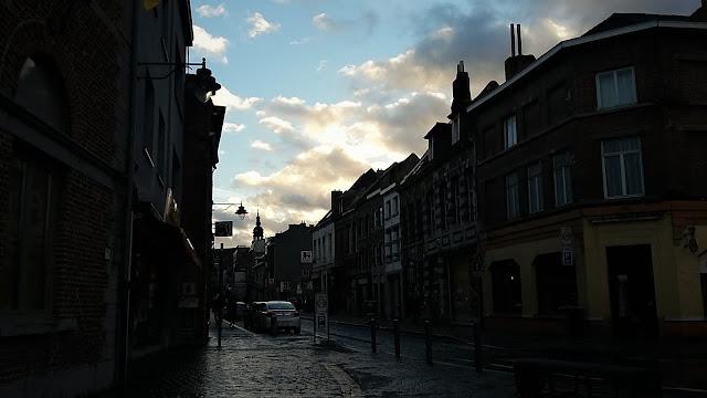 Scoprire il centro storico di Mons