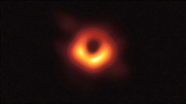 """Hình ảnh đầu tiên về lỗ đen được trao giải """"Oscar khoa học"""" trị giá 3 triệu USD"""