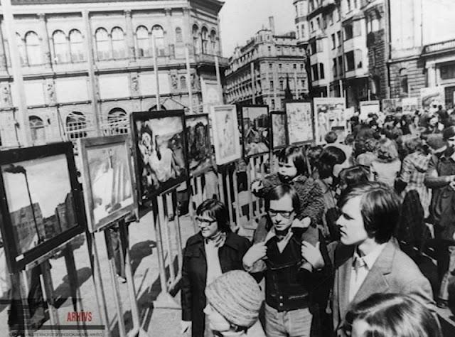 Mākslas dienas Doma laukumā. Rīga, 1978. gads. Autors U. Pāže