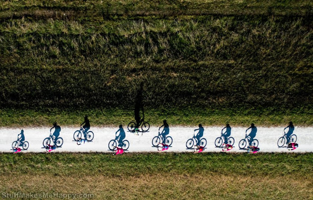 15. Cycling race in New Zealand. (Photo by John Cowpland
